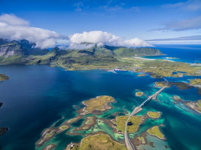 lofoten-islands-norwegen-shutterstock_320328854