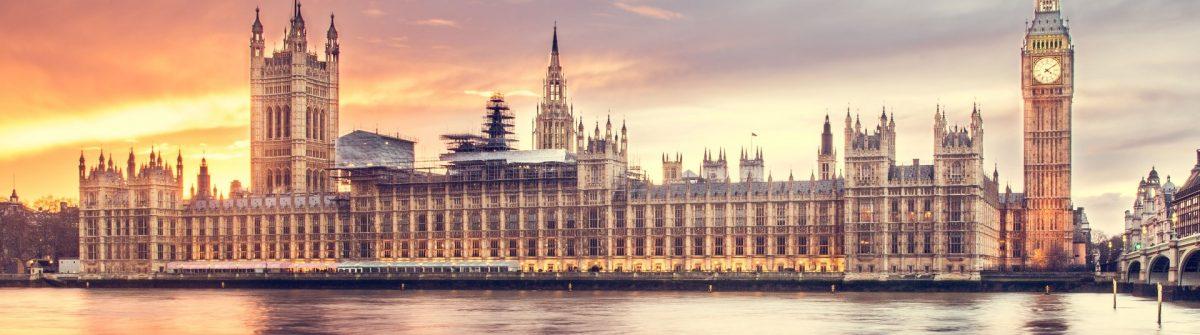 00.-London-Skyline_luca-micheli-422052-unsplash