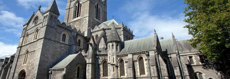 Christ-Church-Kathedrale-Dublin-Irland-iStock-184997919_tny