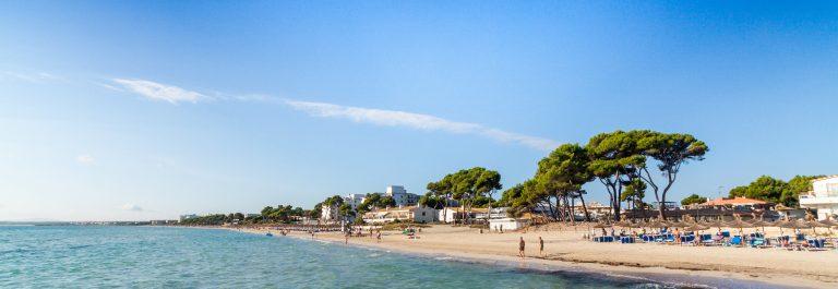 Alcudia-Beach-Mallorca-Balearic-Islands-Spain-shutterstock_157484990-Copy