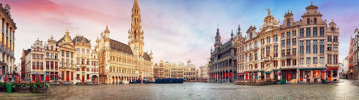 Brussels-Grand-Place-in-beautiful-summer-sunrise-Belgium-shutterstock_705616963-1