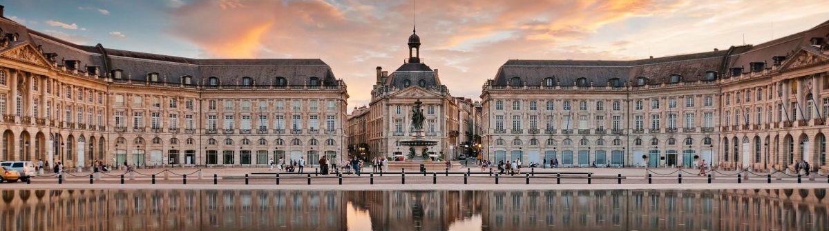 Place-de-Bourse-Bordeaux-shutterstock_124255273