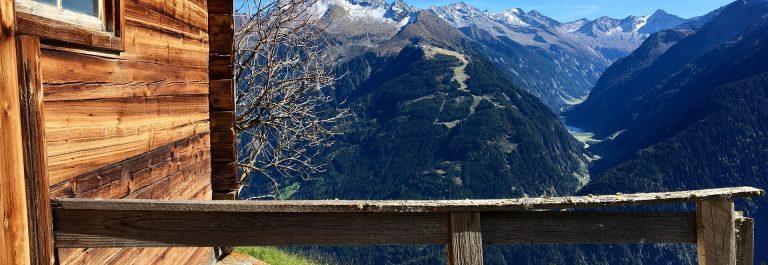 austria-alm-3709455_1920-oesterreich-wandern-huette-berg