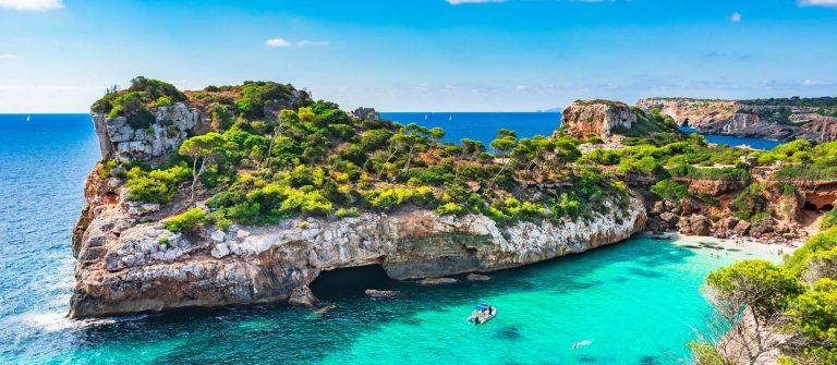 Calo-des-Moro-Mallorca-iStock-951061658