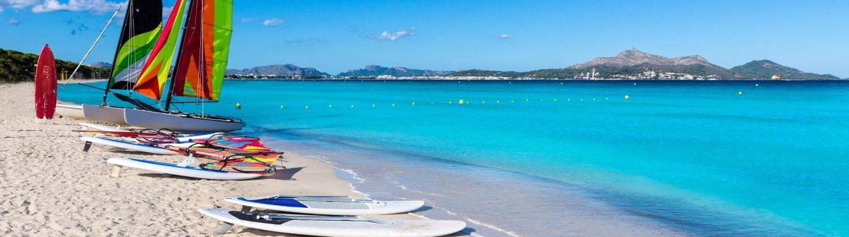 Platja-de-Muro-Esperanza-beach-Alcudia-Bay-Mallorca-iStock-498977252-2