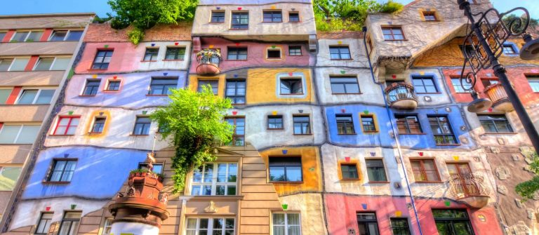 Hunderwasser-Haus-Wien-shutterstock_1085501261-1