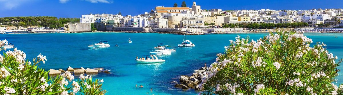 Italian-vacation-Otranto-in-Puglia-with-cristal-waters-shutterstock_300028358