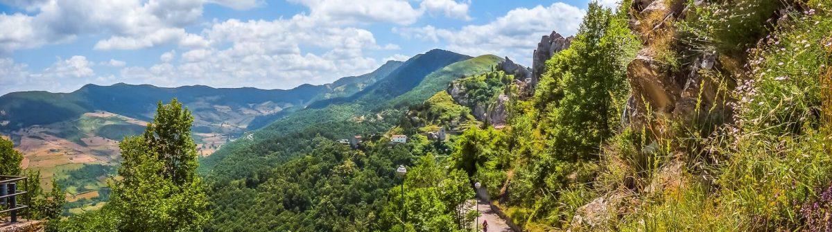 Wanderweg in Pietrapertosa in den lukanischen Dolomiten