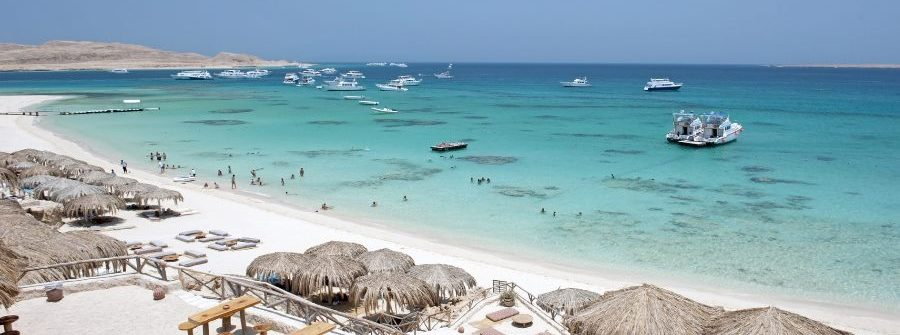 Hurghada-Beach-iStock-175210186_900x600