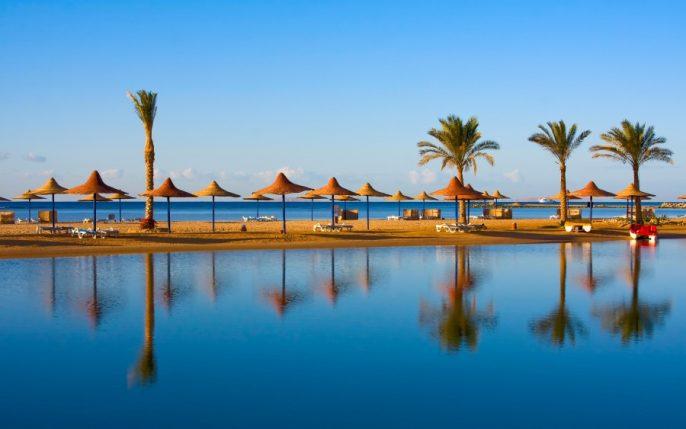 Hurghada-Beach-iStock_000020510209_900x600