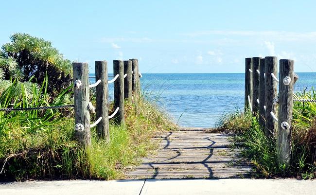 Smathers-Beach-in-Key-West_shutterstock_1168149823-Copy