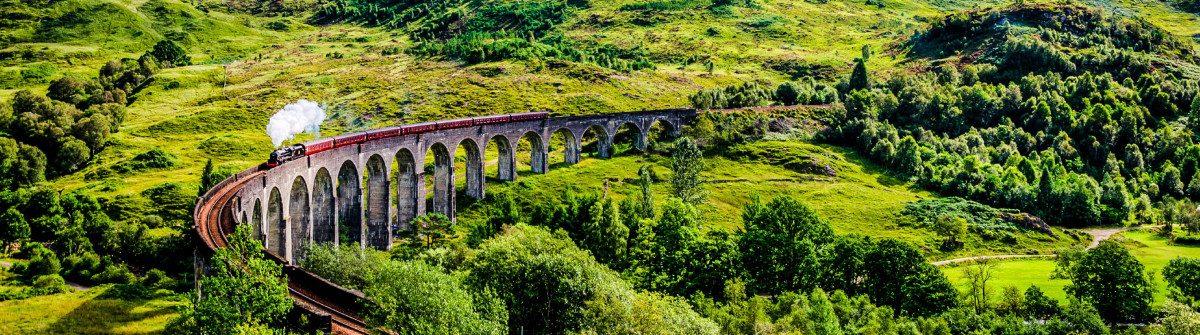 steamtrain-auf-der-glenfinnan-viadukt-istock_000055751658_large-2