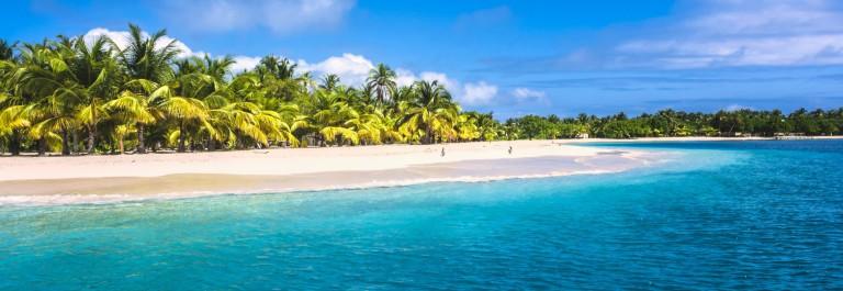 urlaubsguru.de_lonely-tropical-island-in-the-caribbean-bahamas-istock_000020037538_large v3