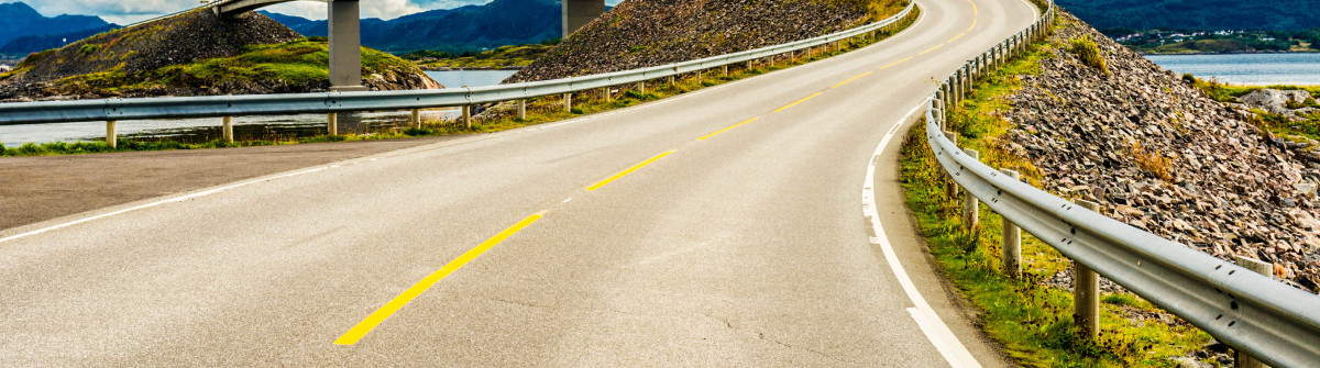 atlantic road Norway iStock_000048609686_Large-2