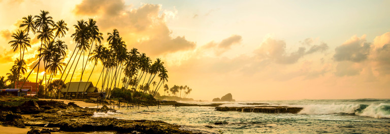 ocean-beach-at-the-morning-sri-lanka-istock_000090299519_large-2