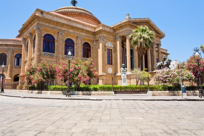 teatro-massimo-famous-opera-house-on-the-piazza-verdi-in-palermo-sicily-shutterstock_83720005-2-707×471