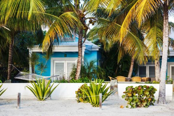 Kleine Hütten am wunderschönen Jolly Beach