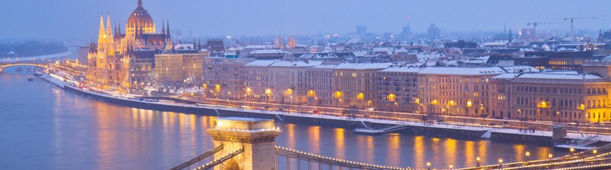 Budapest_Ungarn_Winter_Parlament_Kettenbrücke_shutterstock_135502004