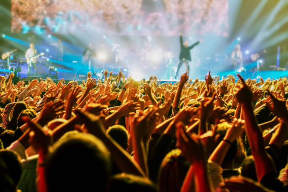 crowd-at-concert-shutterstock_85628539-2-585x390