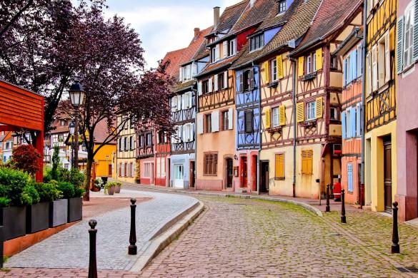 quaint-colorful-houses-of-the-alsatian-city-of-colmar-france-shutterstock_436894867-2-2-585x390